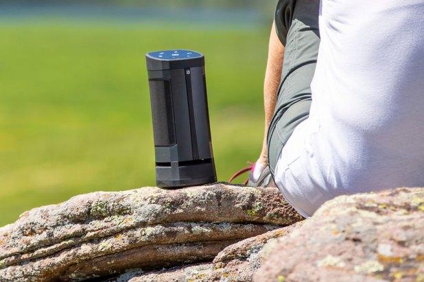 Soundcast VGX Series Bluetooth Speaker 02