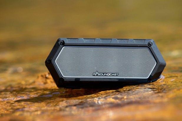 Soundcast VG1 Premium Waterproof Bluetooth Speaker Review 04
