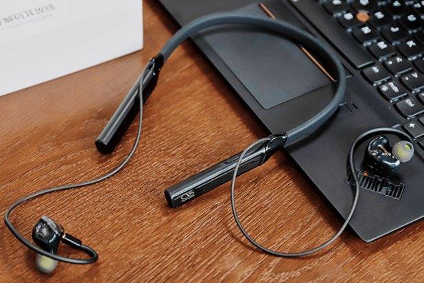 Shanling MW200 Bluetooth Neckband Adapter 04