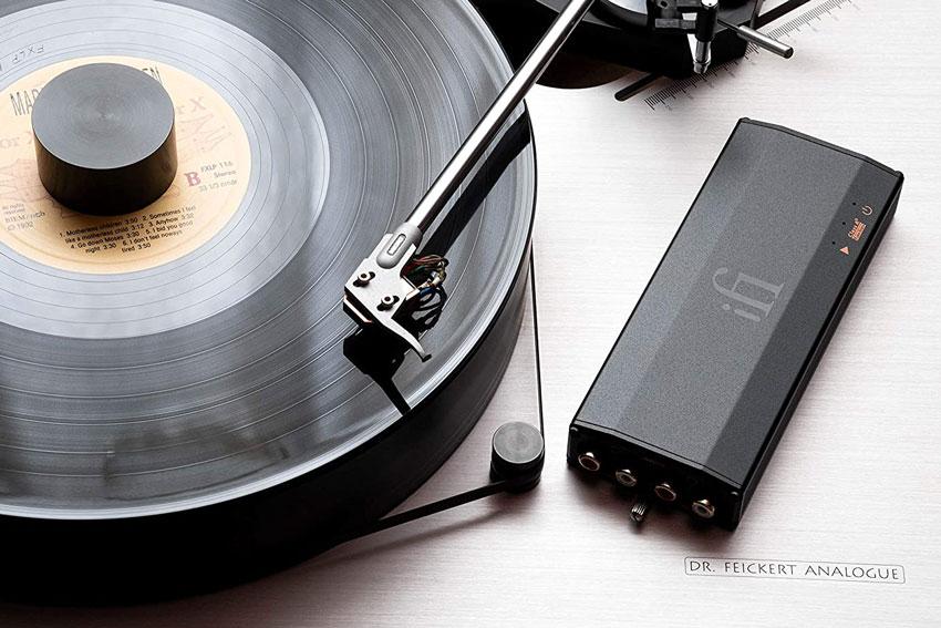 iFi Audio iPhono3 Black Label 01