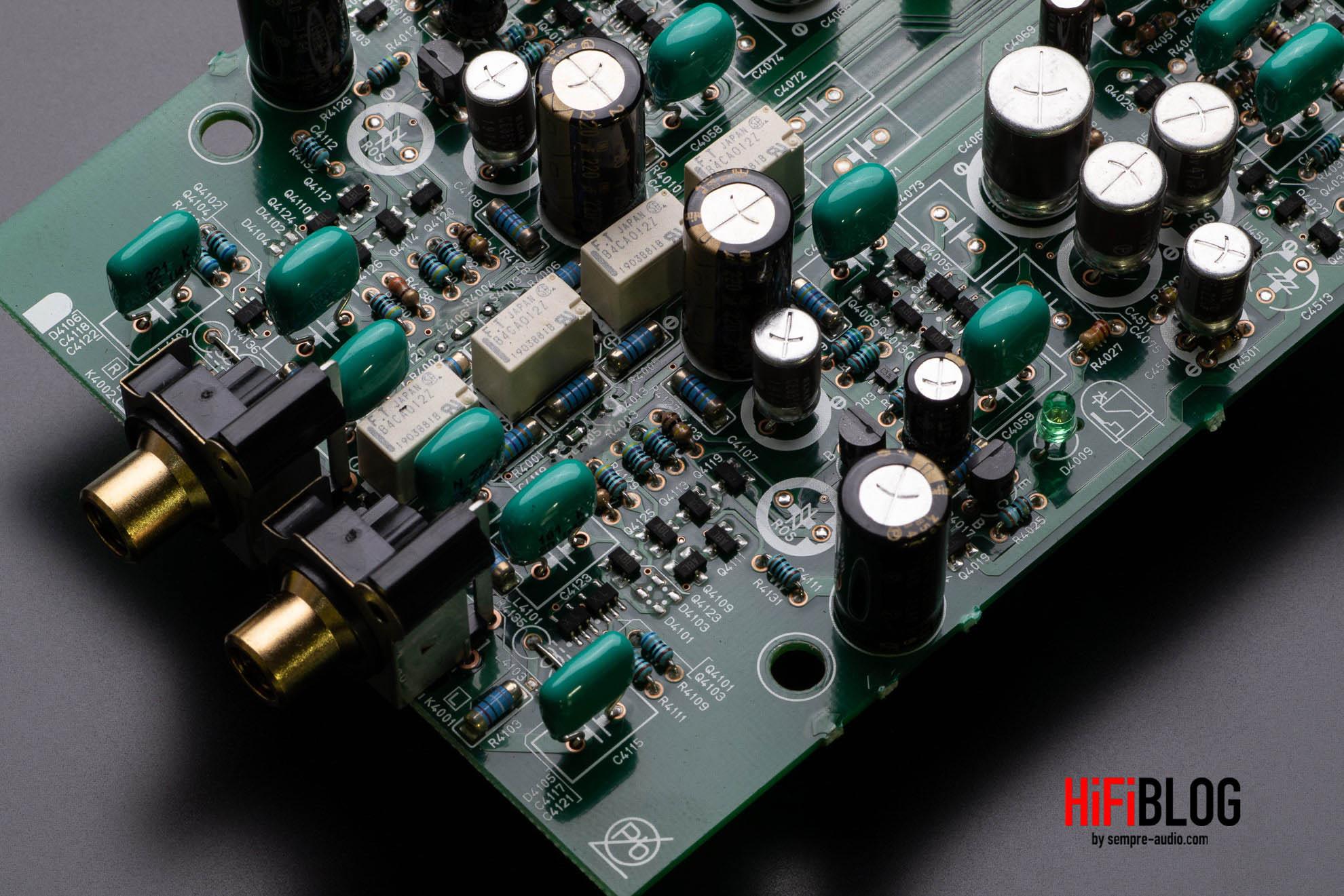 Marantz Model 30 Integrated Amplifier and SACD 30n Network SACD Player 32