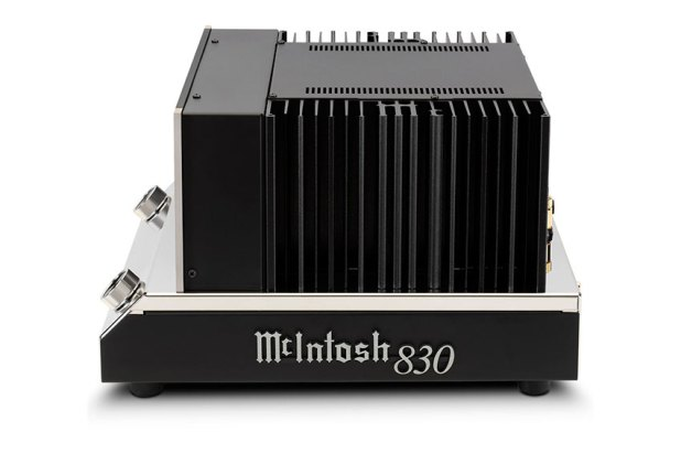 McIntosh MC830 1 Channel Solid State Amplifier 08