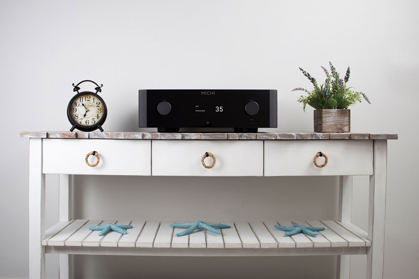 Rotel MICHI X3 Integrated Amplifier and Rotel MICHI X5 Integrated Amplifier 01