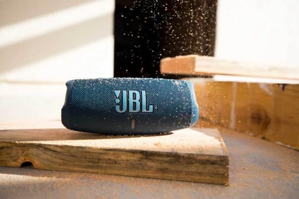 JBL Charge 5 13