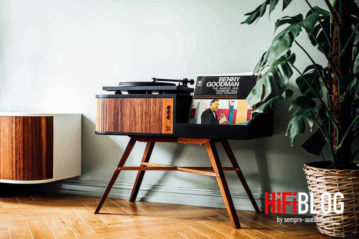 HRDL The Vinyl Table 03