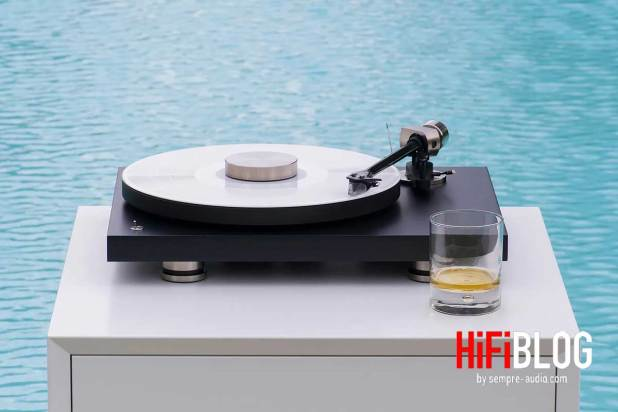 Pro Ject Debut PRO 30th Anniversary Turntable 14