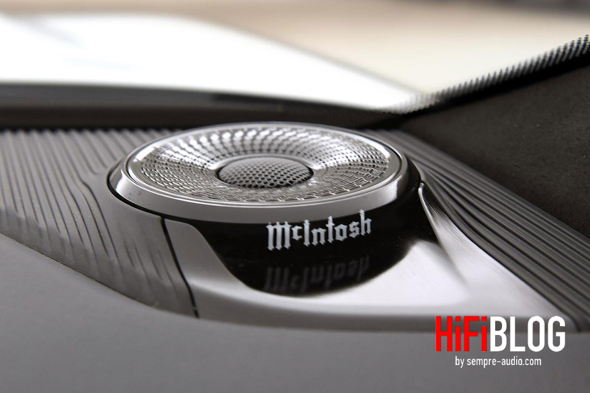 Foto © McIntosh Laboratory Inc.   McIntosh MX950 Entertainment System in Jeep Cherokee 2022
