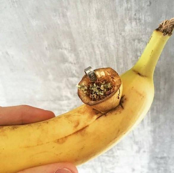 How to smoke weed from a banana