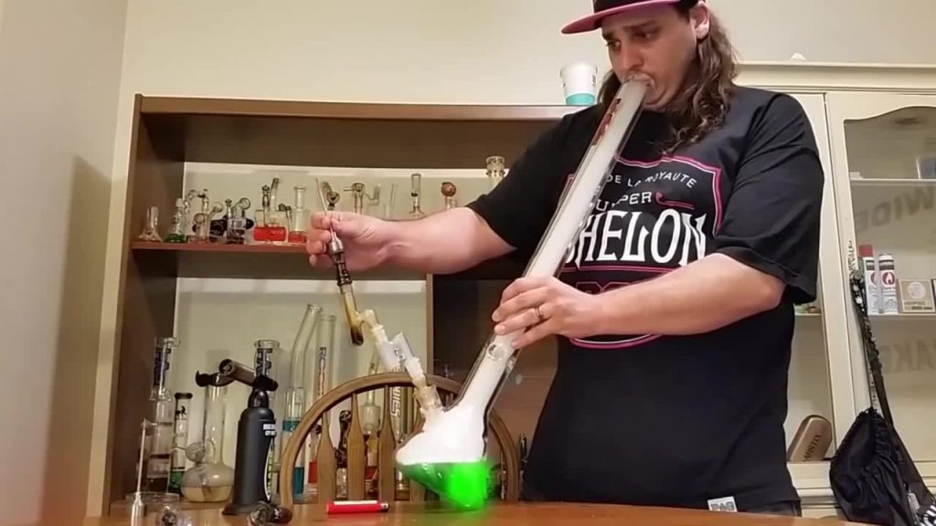 5 Tips That Will Give You Bigger And Smoother Bong Hits