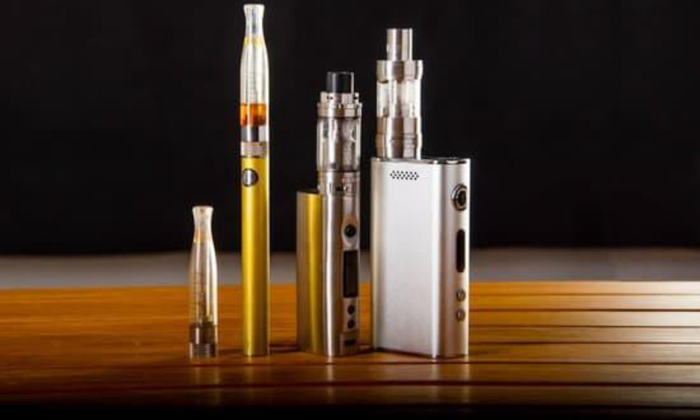 Dry Herb Vaporizers vs E-Liquid Vaporizers: Which is Better?