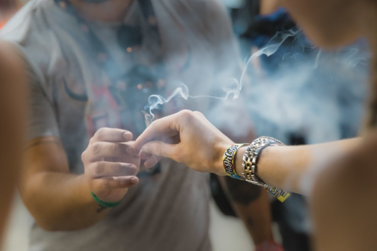 How to smoke a joint. Puff, puff, pass the joint