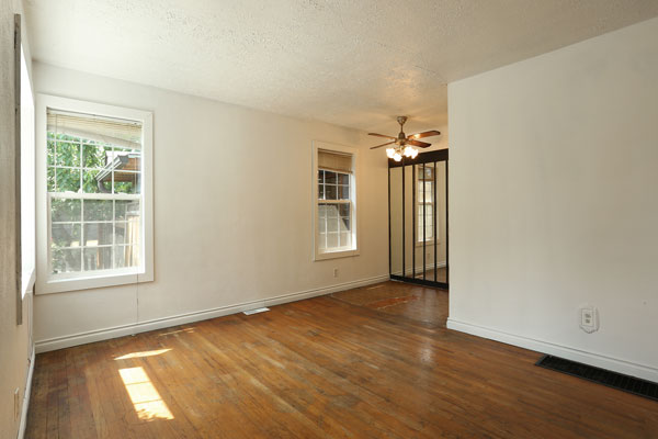 1405-NE-79th-Ave–frontroom4
