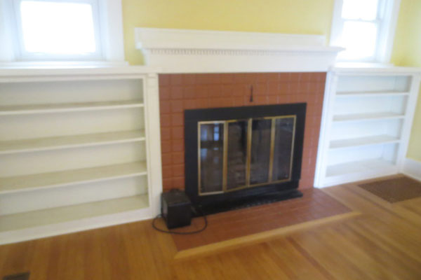 2725-SE-36th-Ave–Living-Room-Fireplace-and-Builtin-Shelving