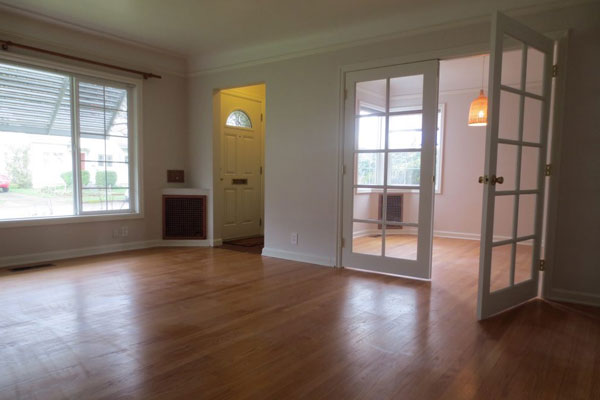 3536-SE-76th,-FosterPowell-Traditional-living-room16