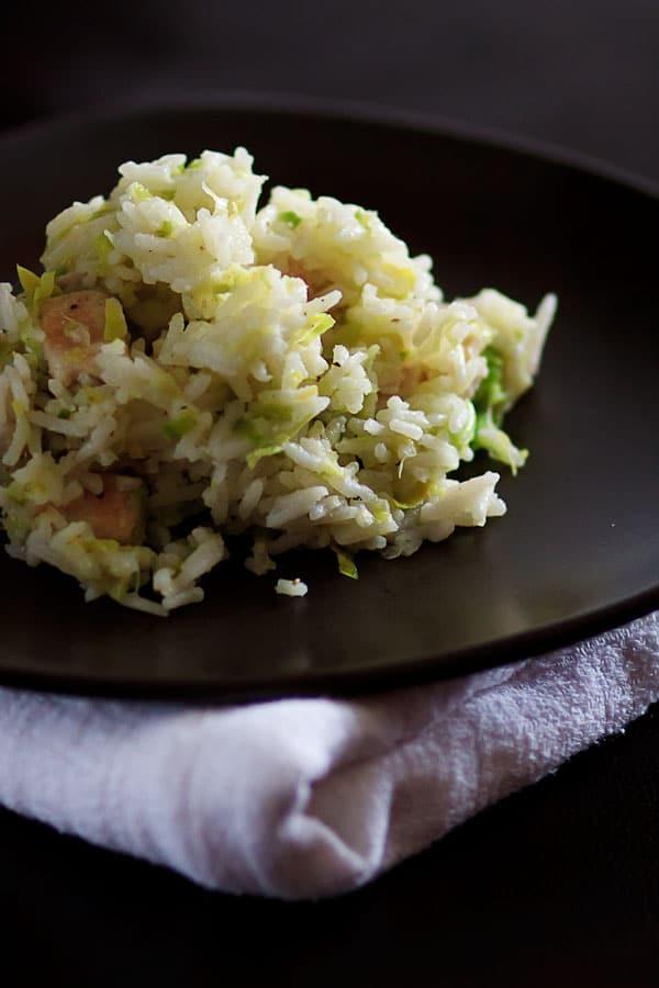 Zitronen-Reispfanne mit Lauch und Hühnchenbrustfilet