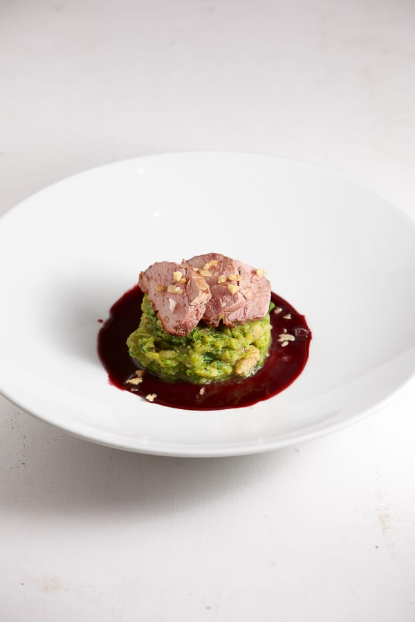 Glühwein-Ente mit Rosenkohl-Walnuss-Stampf