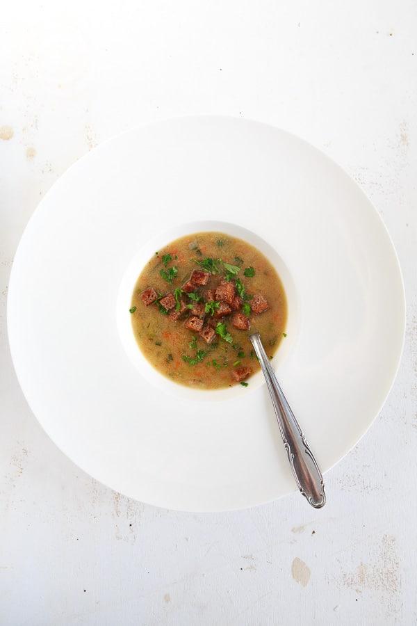 Gebrannte Grießsuppe
