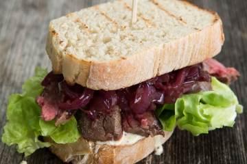 steak-baguette-portwein-zwiebeln