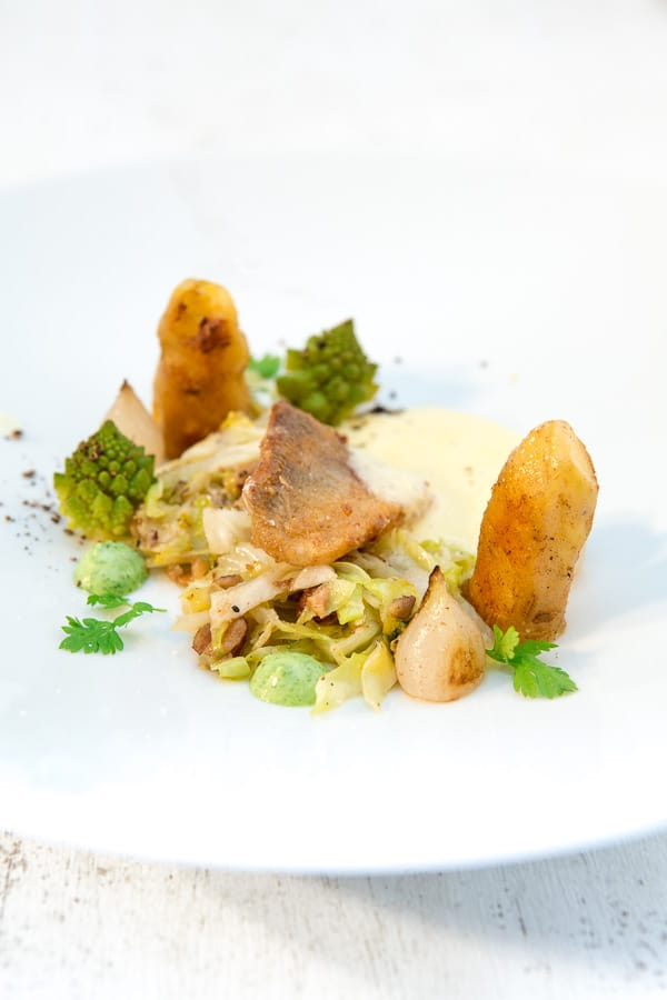 zander-haselnuss-spitzkohl-beurre-blanc