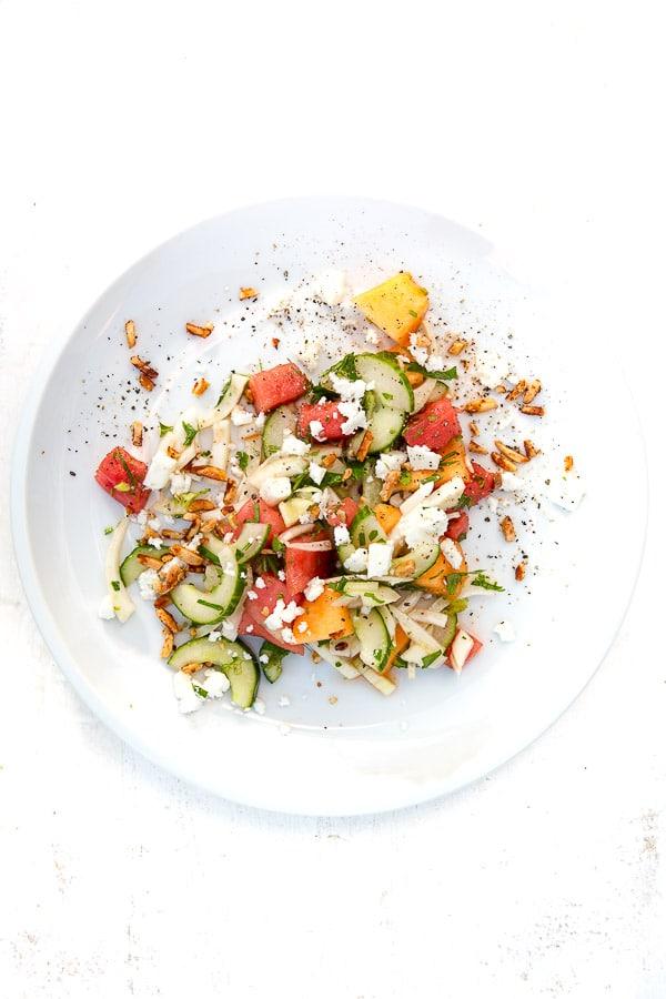 Fenchel-Melonen-Salat mit Feta und Tamari-Mandeln