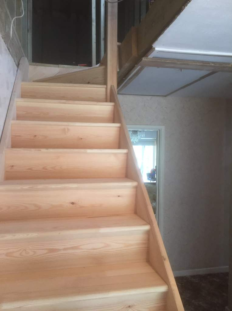 Softwood purpose made staircase - Hertford 2