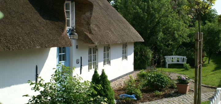 Advice On Caring For And Looking After Your Thatch Roof