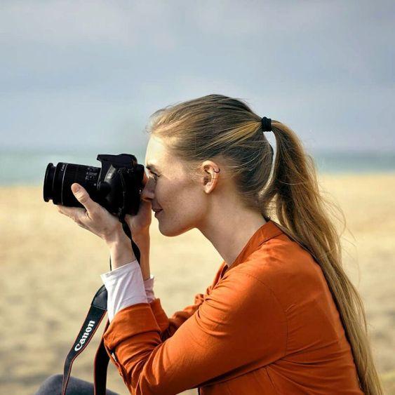 eos-lifestyle-beach-script1-willhartley-3111.-V4_960x960_909781694382087