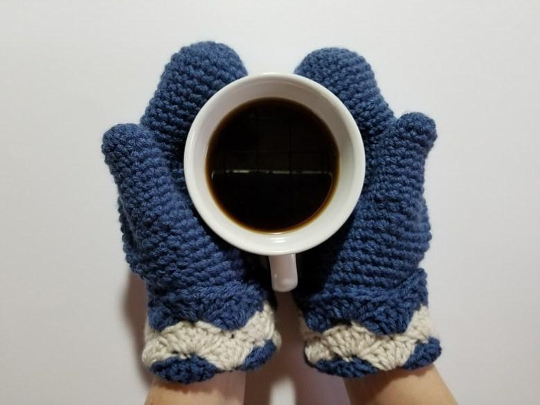 wavy shells mittens