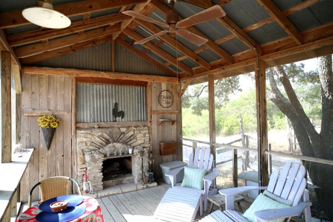 Chanticleer Cabin in Spicewood