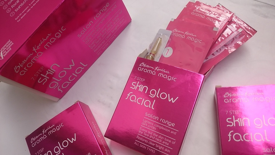 Aroma Magic 7 Step Skin Glow Facial Kit : Review