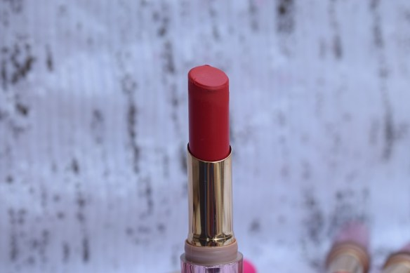 Lakme 9 to 5 Primer + Matte Lip Color - Red Letter