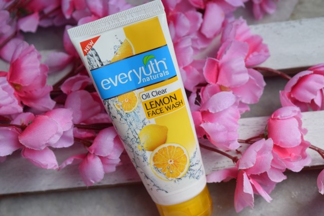 Everyuth Oil Clear Lemon Face Wash (4)