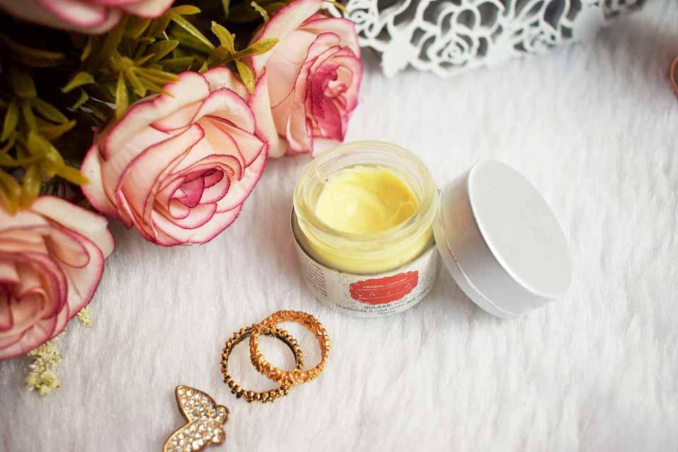 Vanya Herbal Luxury GULAABLIGHT Under Eye Cream Review - High On Gloss