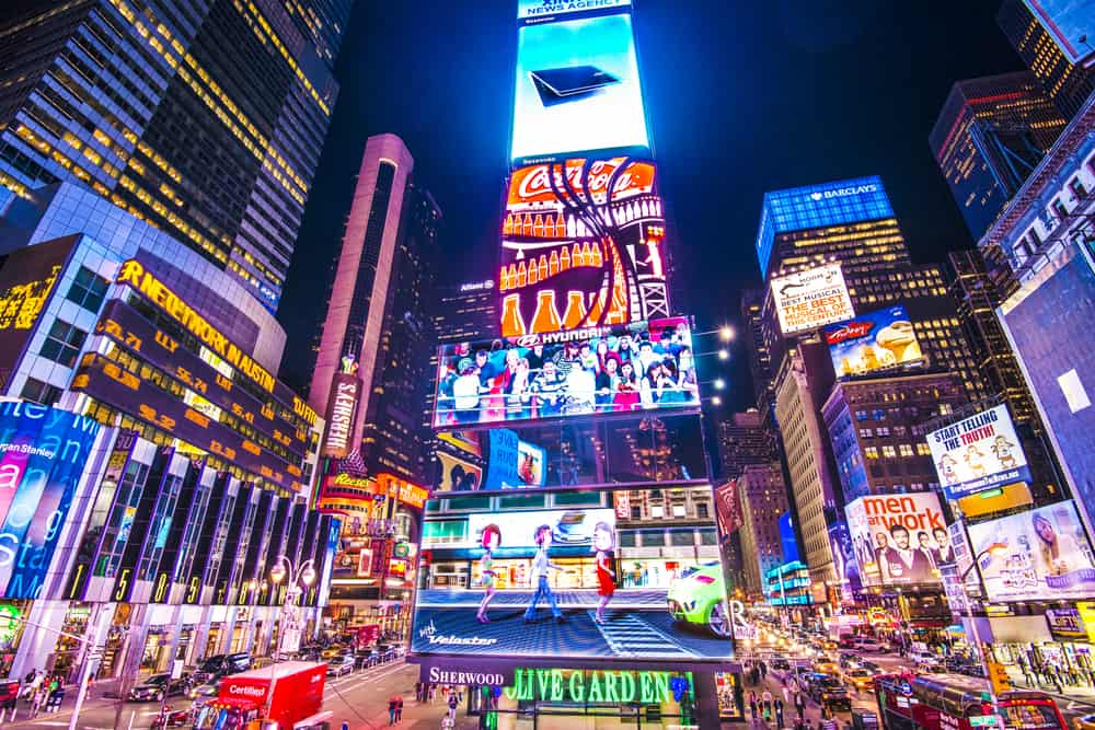 Be A Stranger In Your Own City See NYC In The Lap Of
