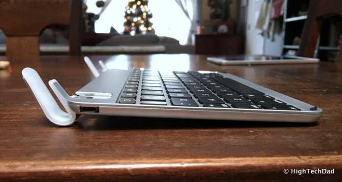 HTD Brydge Keyboard - side no iPad