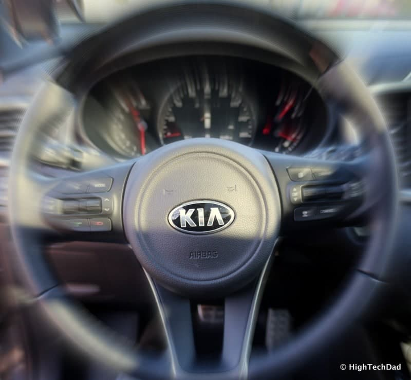 HTD 2016 Kia Sorento - steering wheel