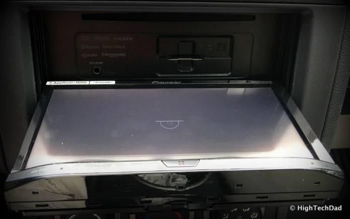 Pioneer AVH-4100NEX Review - screen open
