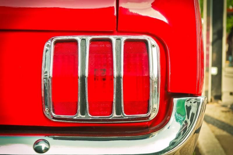 Car Winter Tips - brake light