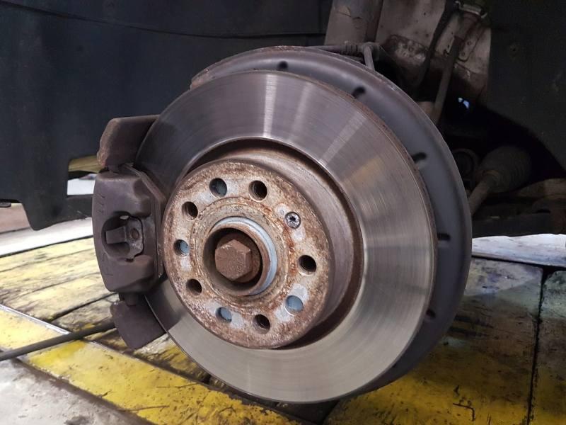 Car Winter Tips - car brakes