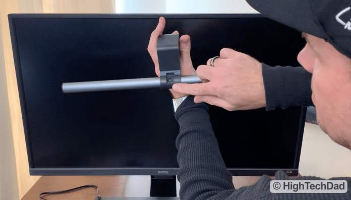 HighTechDad Video Review of BenQ ScreenBar Plus e-Reading LED Lamp - 30-second setup