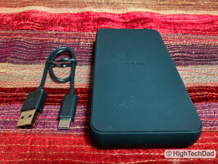 HighTechDad Review Mophie Charge Stream Powerstation Wireless XL - in the box