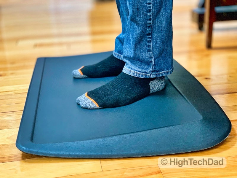 HighTechDad Review of AnthroDesk ErgoSlant Anti-Fatigue Standing Desk Mat - from the side