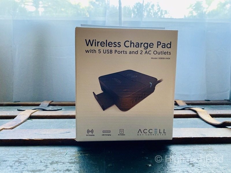 Accell Wireless Charge Pad in the box