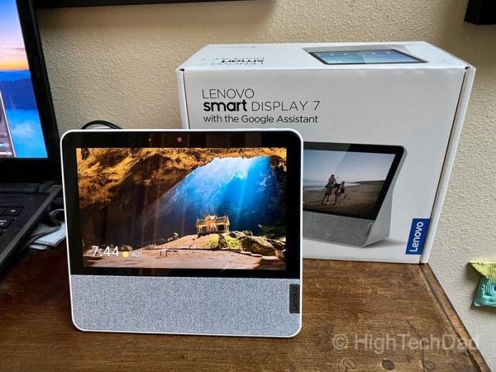 HighTechDad review: Lenovo Smart Display 7 - display and box