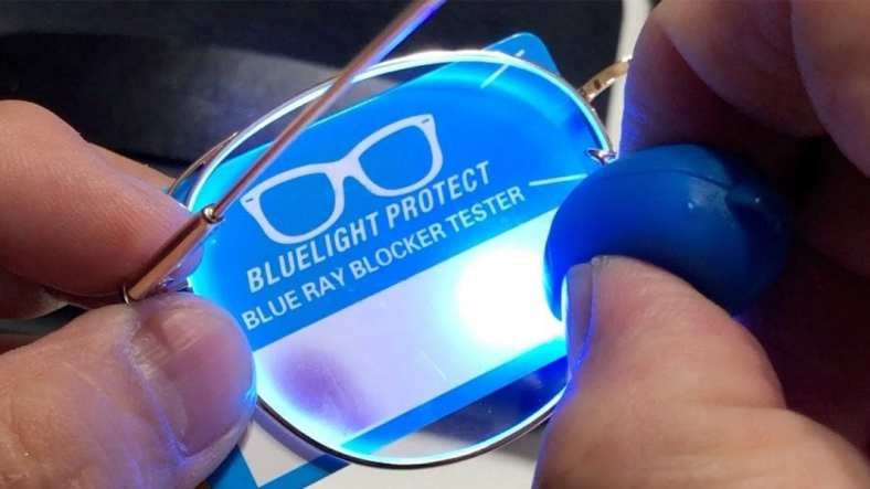 How to Blue Light Glasses Test