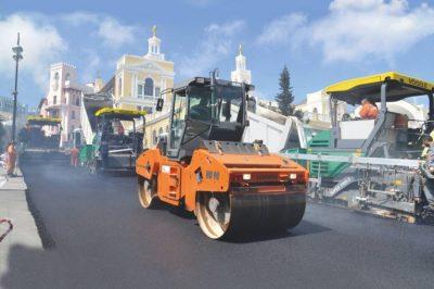 Formula 1 circuit in Baku - Hamm rollers refine demanding ...