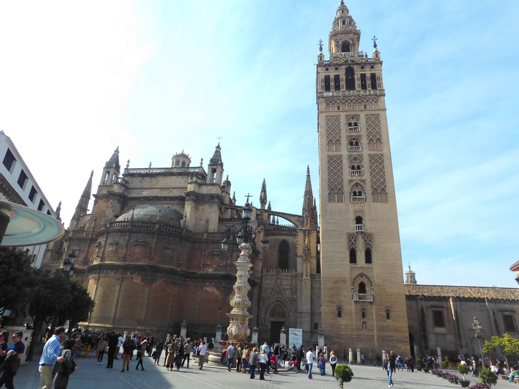 3 day guide to Seville Version halal- Catedral de sevilla