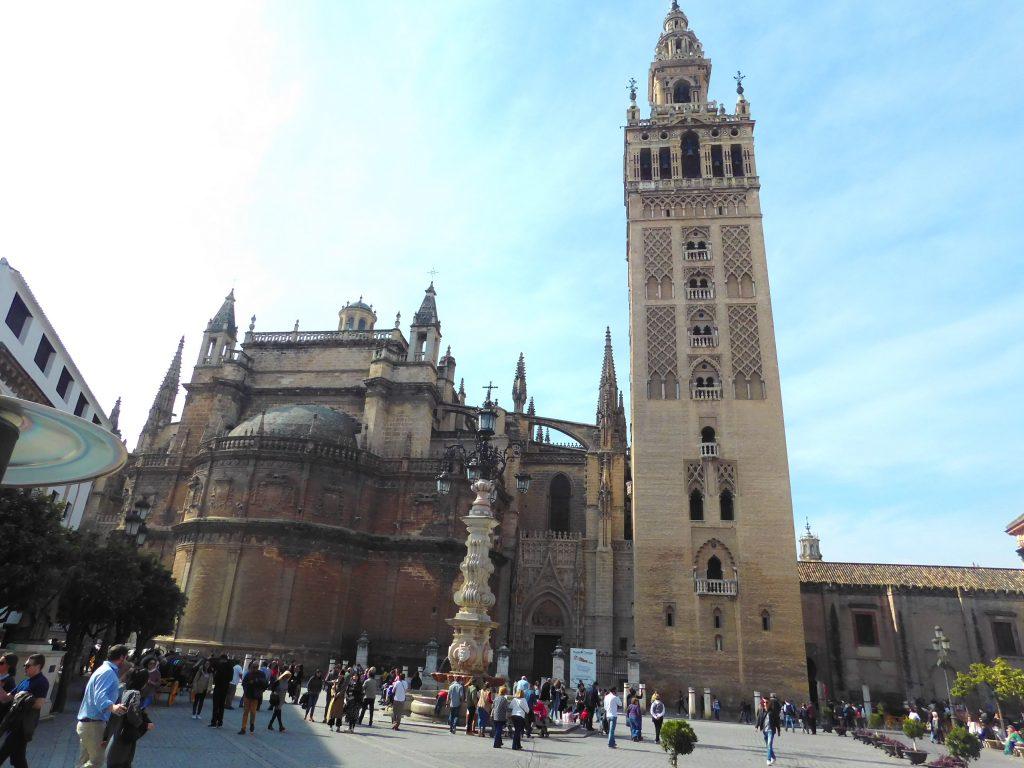 3 day guide to Seville Version halal- Catedral de sevilla