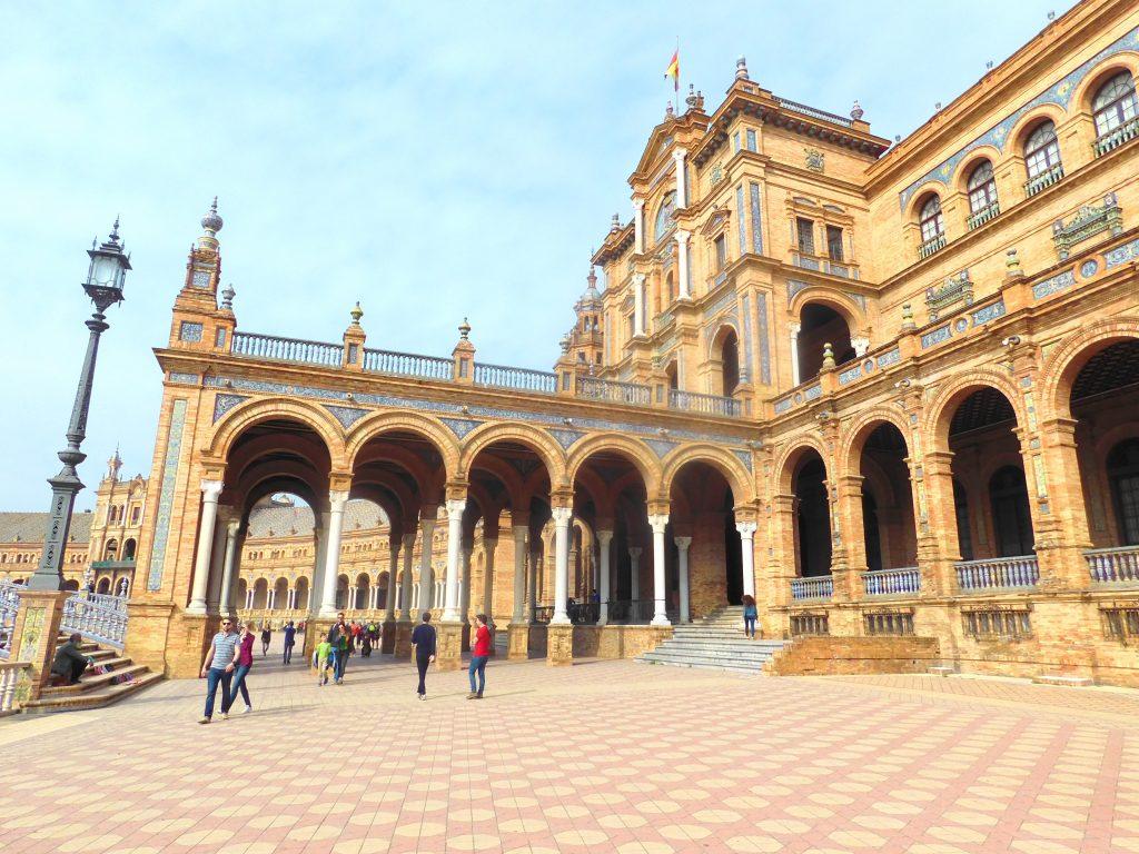 3 day guide to Seville Version halal- Plaza de espana