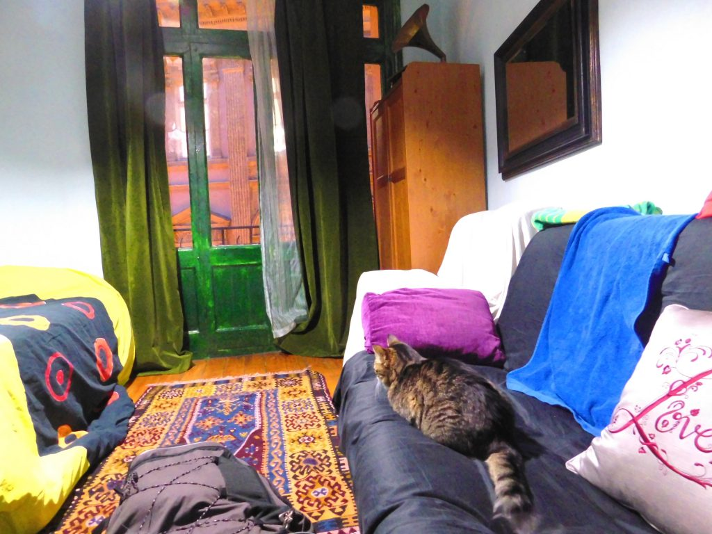 Is Istanbul safe for a woman to travel alone?- airbnb